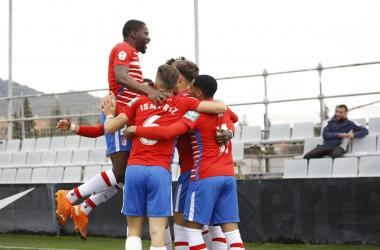 Los jugadores del Recreativo Granada celebran un gol al Lorca | Foto: Pepe Villoslada / GCF
