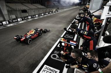 Red Bull celebrando la victoria de Verstappen (Fuente: F1)