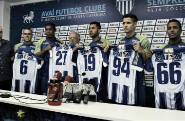 Pedro Castro, Rodrigão, Renato, Matheus Barbosa e Capa são os reforços para 2018 (Foto: André P. Ribeiro/Avaí FC)