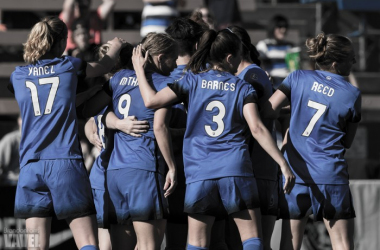 Seattle Reign players surround Kim Little after scoring the lone goal in Seattle's 1-0 victory over FC Kansas City | Brandon Farris - VAVEL USA