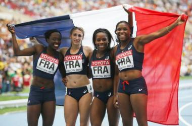 Soumaré, Distel-Bonnet, Ikuésan et Akakpo (de gauche à droite) très heureuses de cette médaille qui vient à l'instant de leur passer sous le nez (crédit: AFP / O. Morin)