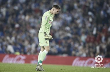 Álex Remiro festejando un gol de la Real Sociedad. // Foto: Laliga.es