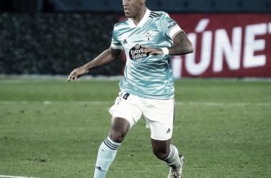 Renato Tapia en posesión del balón | Fuente: RC Celta