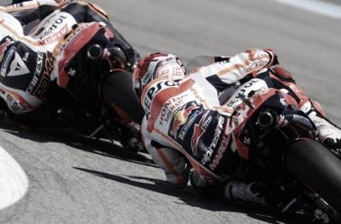 Pol Espargaró y Marc Máquez durante el Gran Premio de España / Fuente: boxrepsol.com