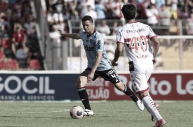 São Paulo rescinde contrato do zagueiro Anderson Martins