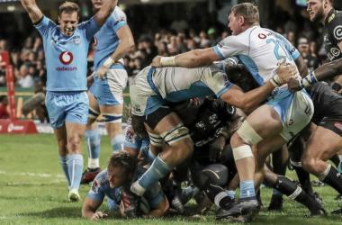 Por la novena fecha de la actual campaña, en Durban, Bulls batió a Sharks por 40-10. ¿Habrá revancha para los de Natal? Crédito: Planet Rugby.