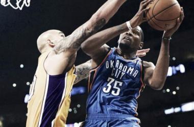 Chicago convence y los Lakers siguen perdiendo