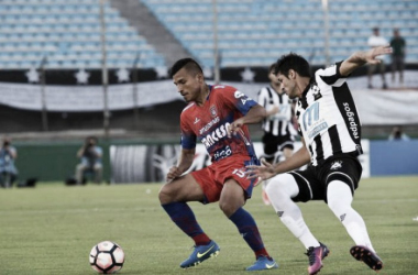 Montevideo Wanderers goleia Universitario Sucre e avança à segunda fase