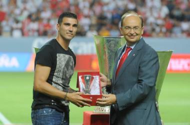 Reyes, homenajeado por el Sevilla FC