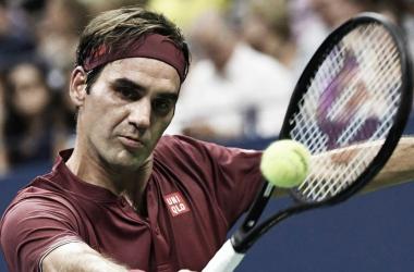 Federer logró una contundente victoria en su debut. Foto: Web