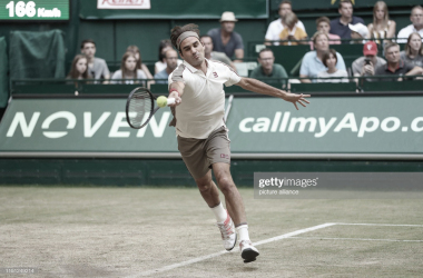 Roger Federer durante su partido de hoy. Foto: Getty Images.