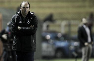 """Ricardo Gomes valoriza atuação contra América-MG: """"Melhor primeiro tempo do Botafogo"""""""