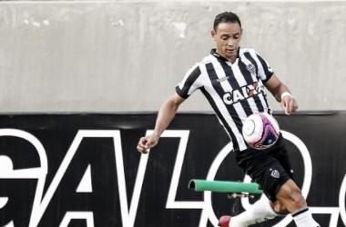 Ricardo Oliveira lamentou chances perdidas pelo Galo no clássico (Foto: Bruno Cantini/Atlético)