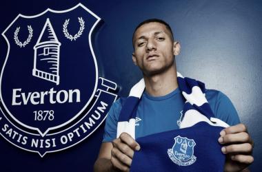 Richarlison con los colores 'toffee'. | Foto: Everton