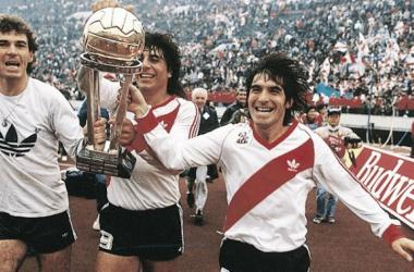 El Millo y la Copa más importante del mundo, a sus vitrinas (FOTO: Taringa).