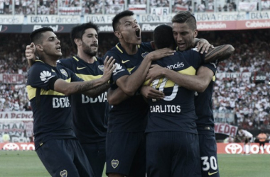 Todo Boca festeja: con un gran Tévez, se quedó el Superclásico | Foto: Mauro Alfieri (La Nación)