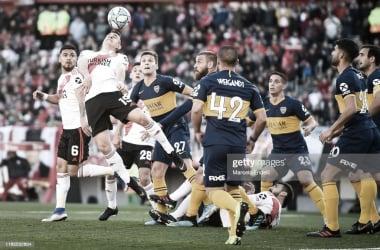 TRABADO. En el último encuentro en Núñez post la histórica final de la Libertadores 2018 fue un partido duro.. Foto: Getty images