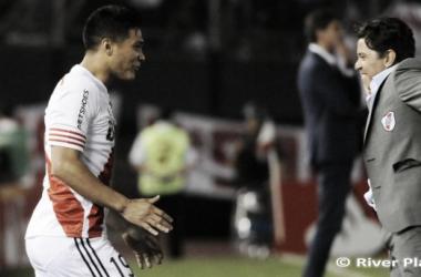 River passa pelo Estudiantes e fará clássico contra o Boca nas semis