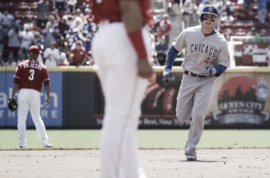 Chicago Cubs' Anthony Rizzo (44) rounds the bases after hitting a two-run home run off Cincinnati Reds starting pitcher Alfredo Simon in the first inning of a baseball game, Sunday, April 24, 2016, in Cincinnati. (AP Photo/John Minchillo)