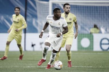 David Alaba y Paco Alcácerdurante el Real Madrid 0 - 0 Villarreal. | Fotografía: Real Madrid C.F.