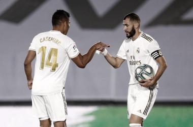 Em noite inspirada de Benzema, Real Madrid derrota Alavés e se mantém na liderança de LaLiga