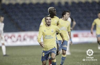 Rober celebra un gol logrado en el partido Las Palmas - Castellón.Foto: LaLiga Santander
