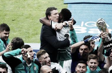 La desbandada está completa: a la salida de Djaniny, Izquuierdoz y Araujo, se le suma la del entrenador Siboldi. (Foto: Milenio)