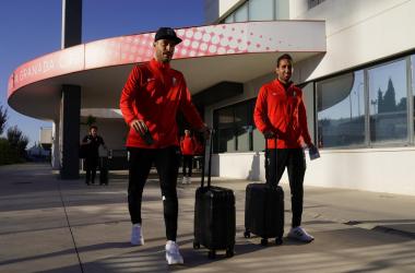 Rochina y Montoro antes de viajar hacia Pamplona | Foto: Pepe Villoslada / Granada CF