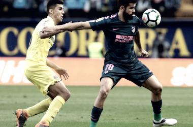 Rodri y Diego Costa pugnan por el balón/ Fuente: Atlético de Madrid