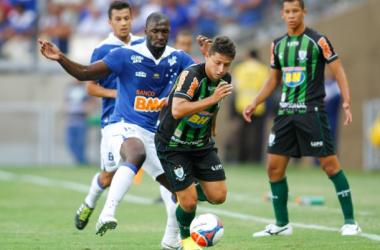Muito elogiado, Rodrigo Souza fez sua estreia diante do América-MG