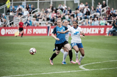 Amy Rodriguez (left) to miss rest of season with ACL tear in left knee | Source: FC Kansas City Facebook Page