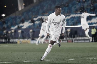 Com gol decisivo de Rodrygo, Real Madrid supera dificuldades diante da Internazionale e alcança primeira vitória