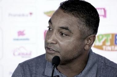 Roger Machado exalta equílibrio, vê resultado como justo e comemora empate