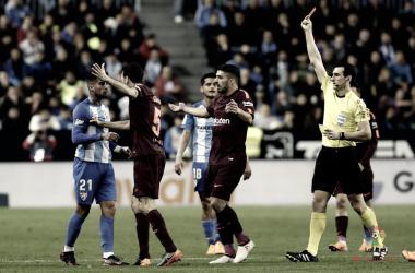Expulsión de Samuel durante el Málaga-Barça