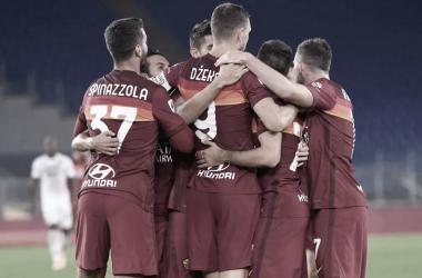 Em jogo de sete gols, Roma goleia Benevento e embala no Campeonato Italiano