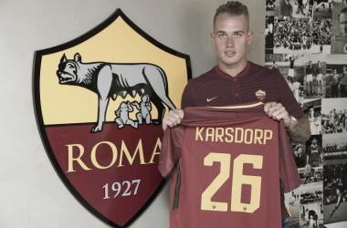 Destaque do Feyenoord, jovem lateral Karsdorp assina com a Roma e fala em 'realizar sonhos'