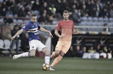 Skriniar y Dzeko en el ultimo enfrentamiento entre Roma y Sampdoria. foto: AS Roma