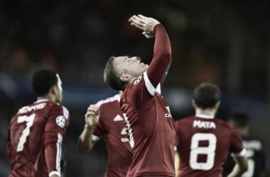 Foto: Rooney celebrando uno de los tres goles conseguidos. Fuente: Mirror.