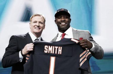 Momento en que Roquan Smith es drafteado por Chicago Bears en el Draft 2018 (foto NFL.com)