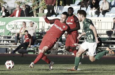 Roque Mesa en el partido contra CF Villanovense | Foto: Sevilla FC