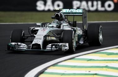 Nico Rosberg lidera o FP2 do GP do Brasil ( Fonte: Nextstories )