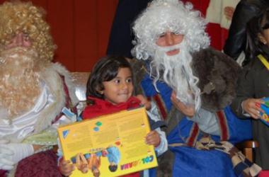 Entrega de regalos en Zaragoza durante la campaña del año pasado (Fuente: ciong)