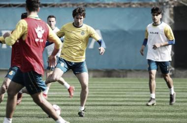 Granero controla un balón en el último entrenamiento. Foto: Web RCD Espanyol.