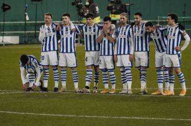 Los jugadores de la Real Sociedad durante la tanda de penaltis. Foto: Real Sociedad