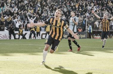 """Ruben se llena la boca de gol ante el """"Pirata""""(Fuente CARC oficial)"""