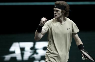 Andrey Rublev venceu Stefanos Tsitsipas no Rotterdam Open 2021 (ATP / Divulgação)