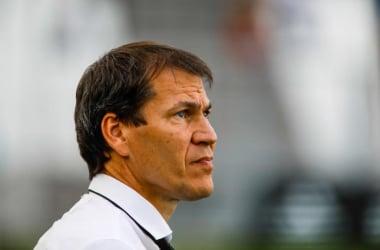 Rudi Garcia, l'entraîneur de l'OM, critiqué par certains observateurs ainsi que par des supporters pour des choix tactiques surprenants et pour un fond de jeu inexistant.