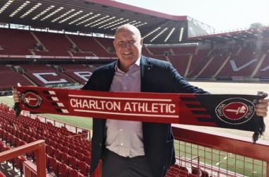 Rusell Slade presentado como entrenador del Charlton Athletic. Foto: cafc.co.uk