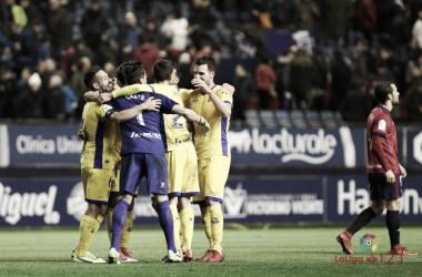 Los jugadores del Alccorcón celabran la victoria ante Osasuna | LaLiga 1|2|3
