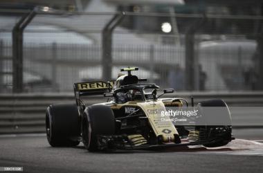 Sainz durante el último Gran Premio de Abu Dhabi. Foto: Getty Images.